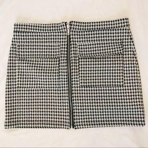 Forever 21 checkered front zipper mini skirt